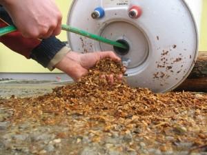 Очистка нагревателя воды от грязи