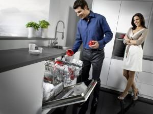 Отремонтированная машинка для мытья посуды